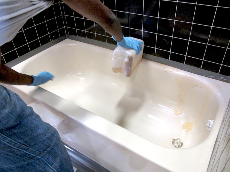 How to clean your bathtub 10 tips to keep every part of for How often to clean bathroom